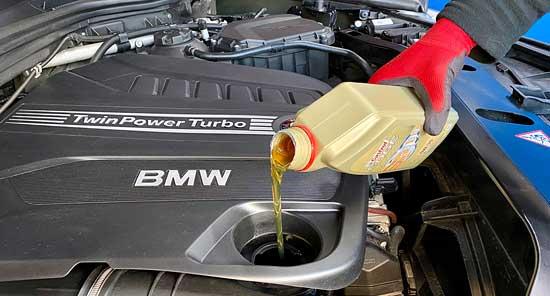 Kfz-Wartung - Ölwechsel