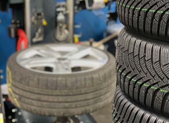 Reifenservice - Reifen auf Felge aufziehen